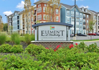 Element at stone bridge - the name board
